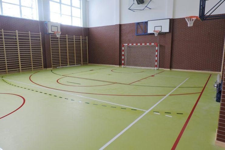 wykladzina-sportowa-montaz-modern-szkola
